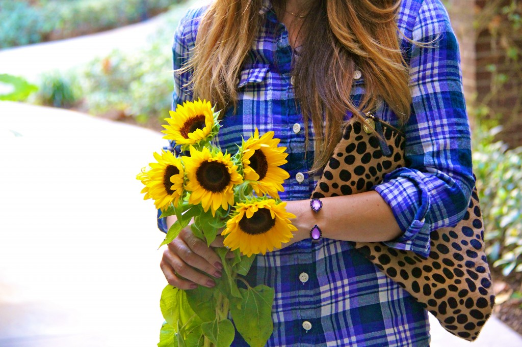 sunflowers, plaid top