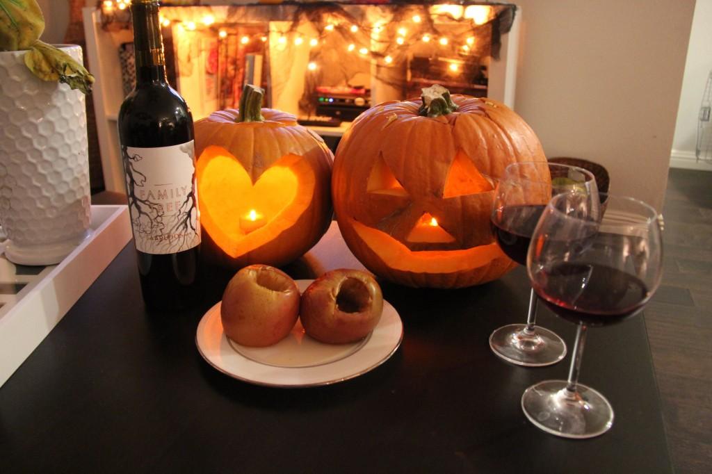 halloween pumpkins, baked apples
