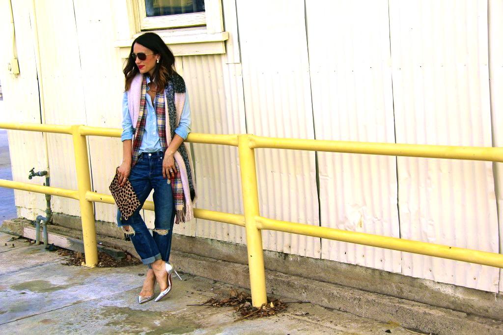 boyfriend jeans, denim on denim, blanket scarf