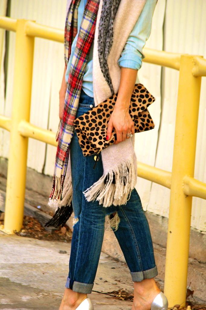boyfriend jeans, leopard clutch