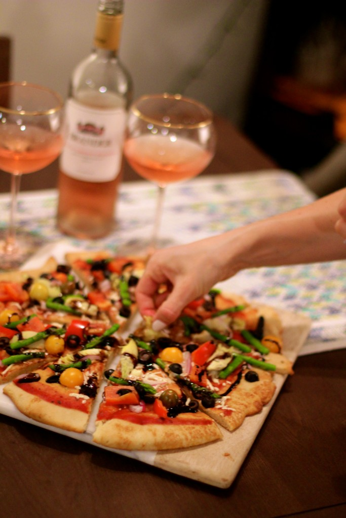 wine and pizza date night, vegan and gluten free pizza
