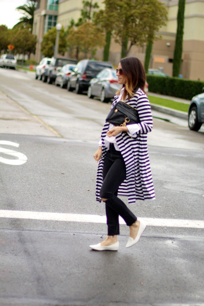 street style, white loafers, rainy day outfit