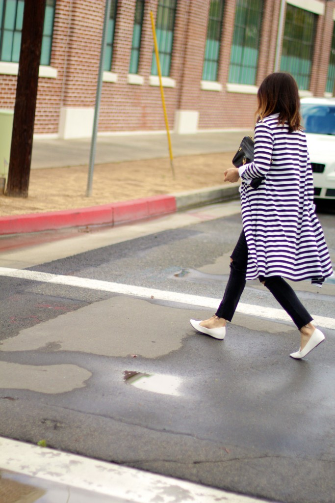 street style, white loafers, duster sweater, black and white stripe