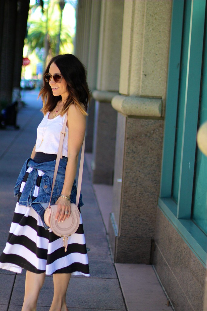 black and whites stripe skirt, causal spring outfit