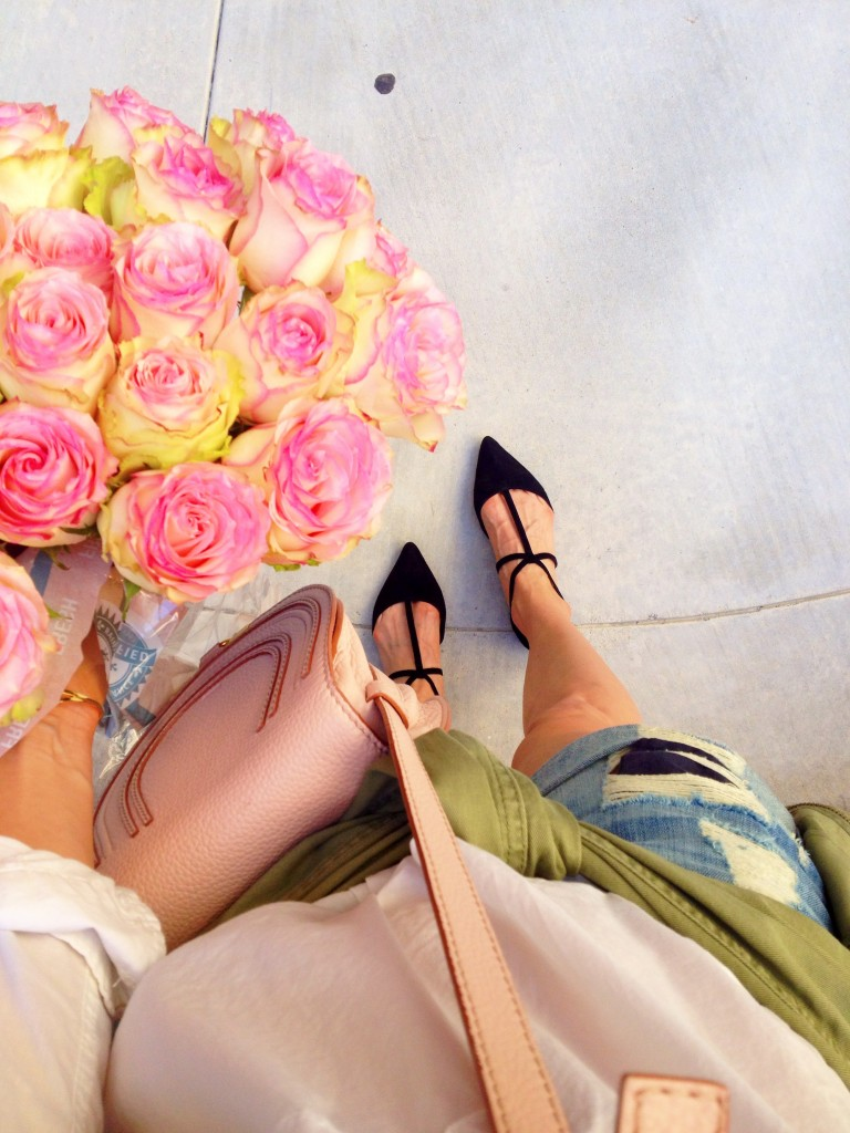 fresh pink roses, ootd, distressed boyfriend shorts, itsy bitsy indulgences