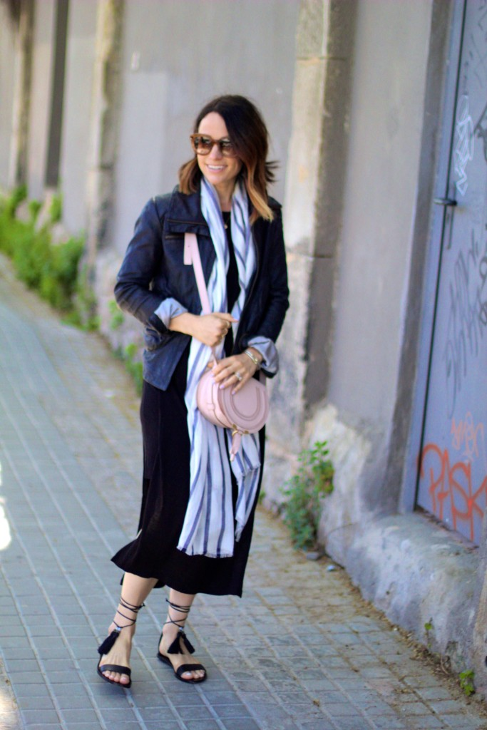 sightseeing outfit, tassel sandals, itsy bitsy indulgences