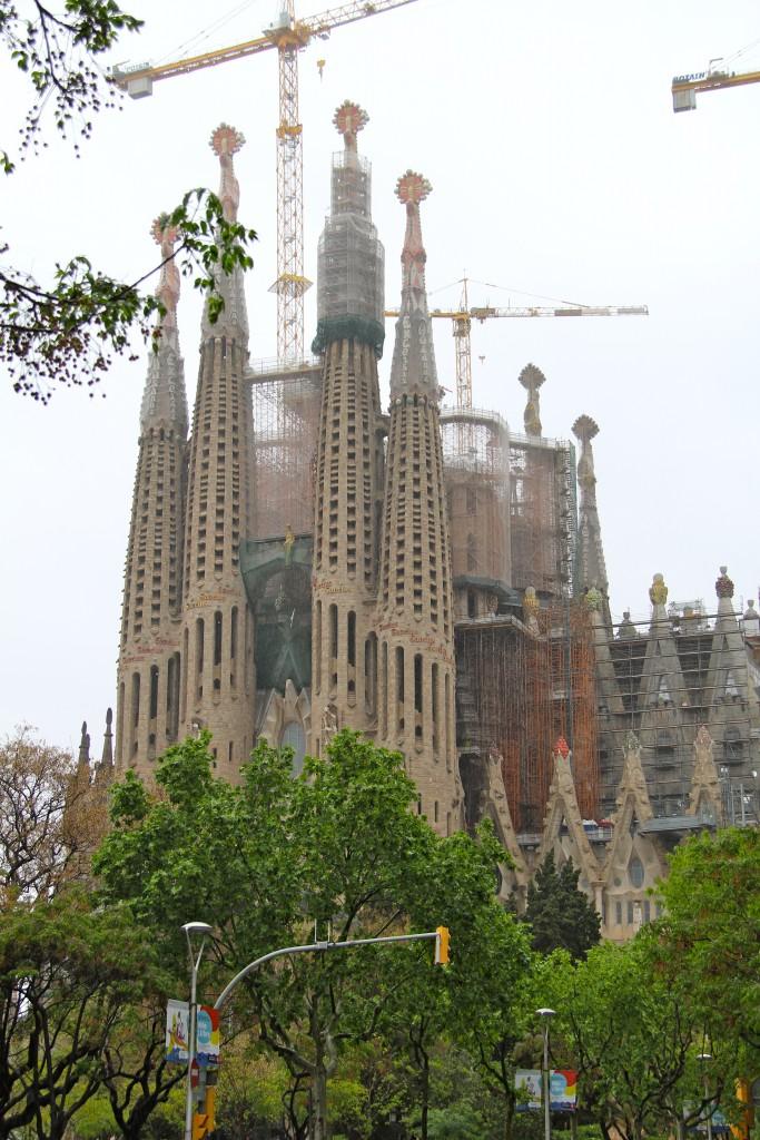 Sagurada familia, barcelona, itsy bitsy indulgences