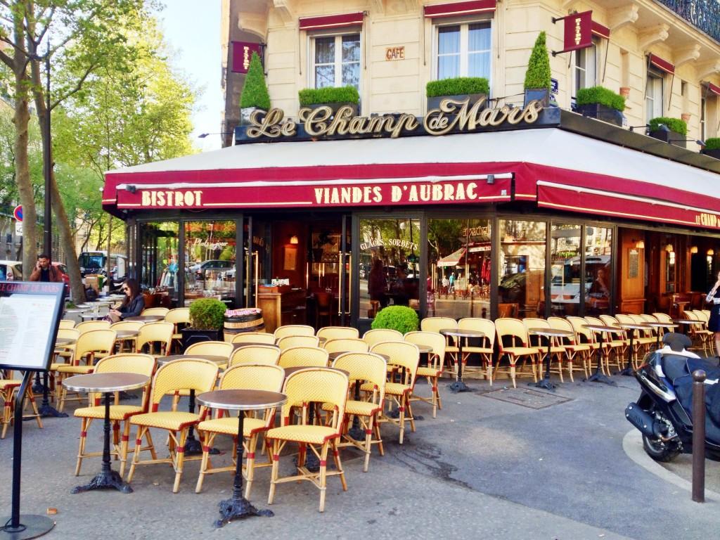 cafe in Paris // itsy bitsy indulgences