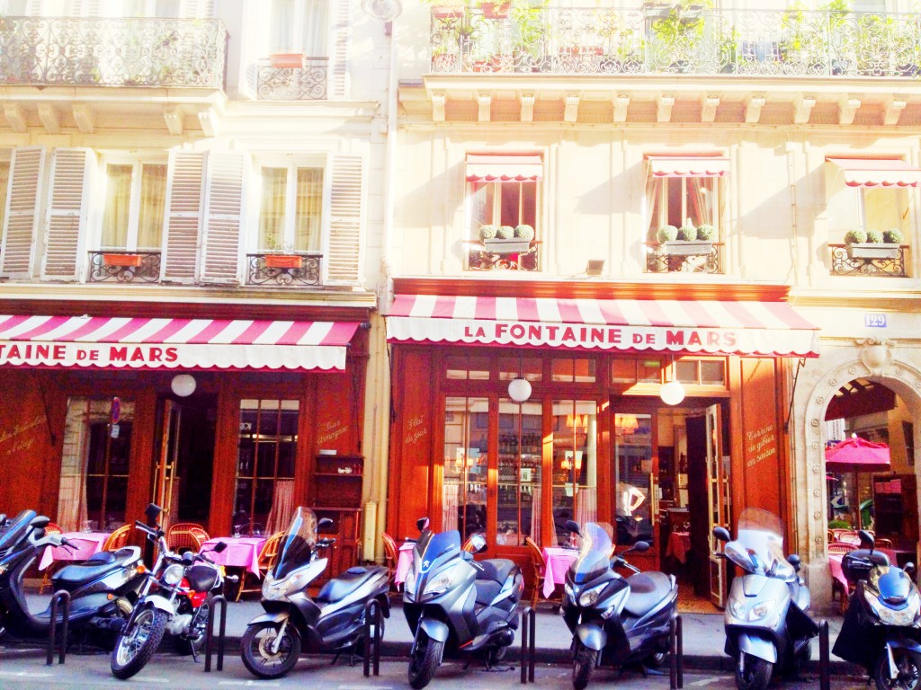 cafe in Paris // itsy bits indulgences