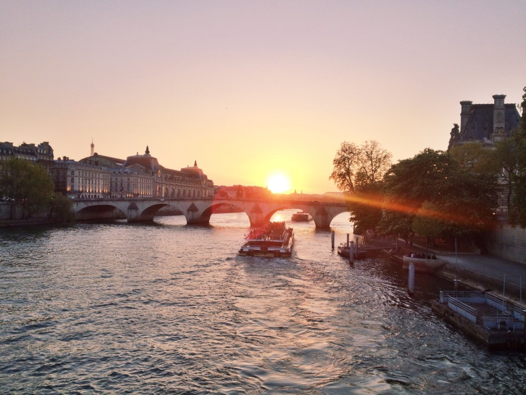 Sunset on the Seine Paris // Itsy Bitsy Indulgences