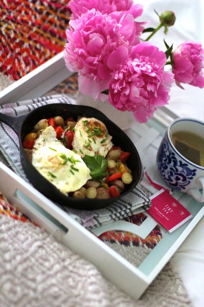 breakfast skillet, itsy bitsy indulgences