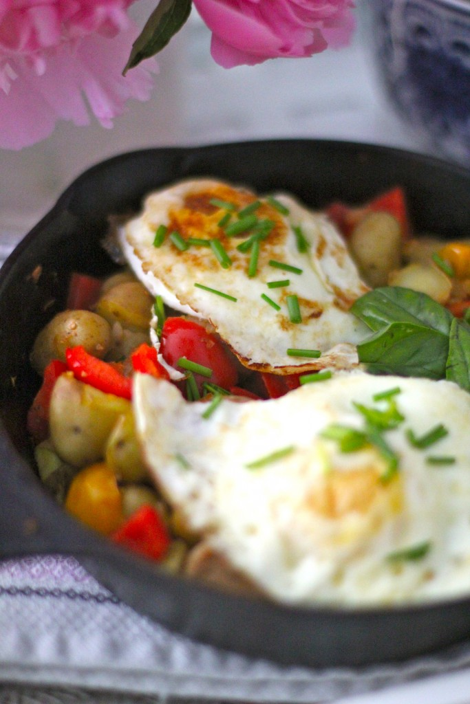 cast iron breakfast skillet, itsy bitsy indulgences