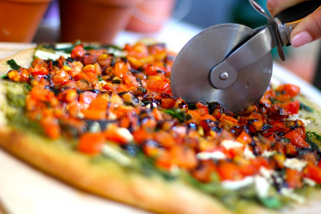 bruschetta pizza, itsy bitsy indulgences
