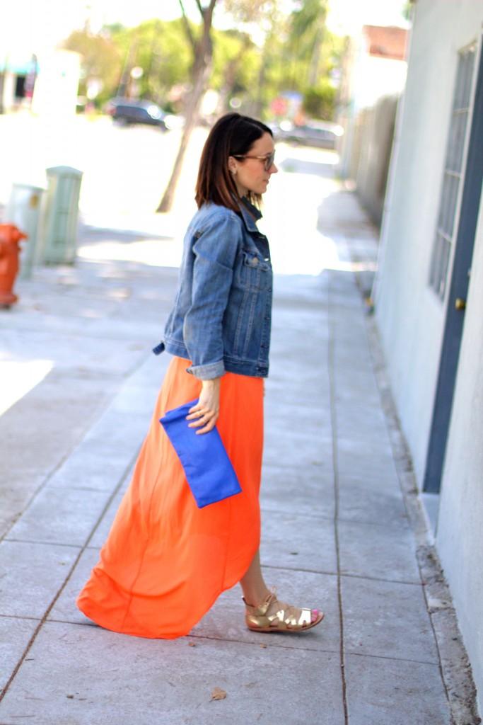 orange summer maxi dress, blue clutch, itsy bitsy indulgences