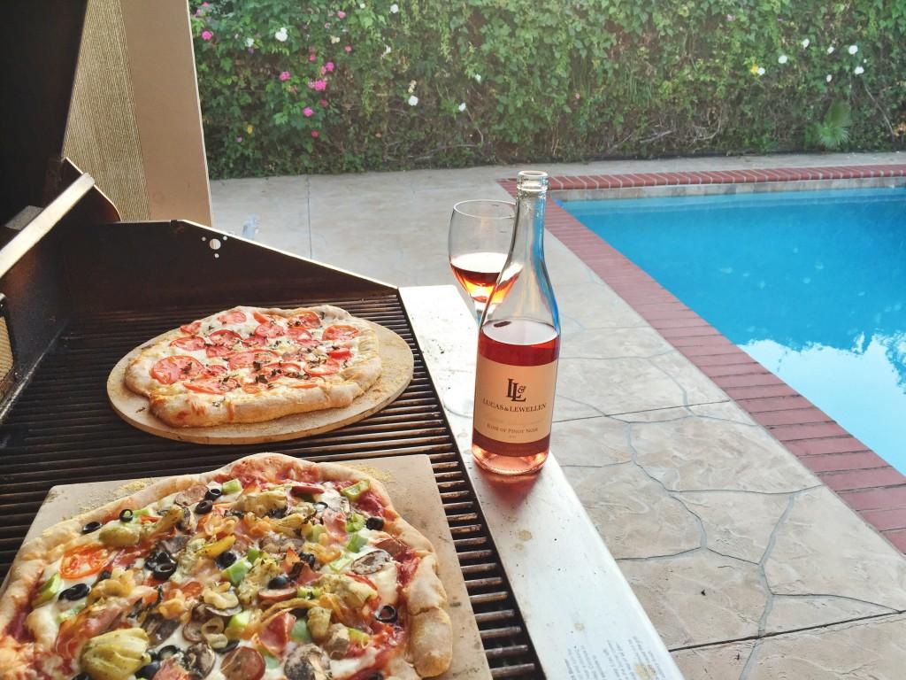 poolside BBQ pizza, itsy bitsy indulgences