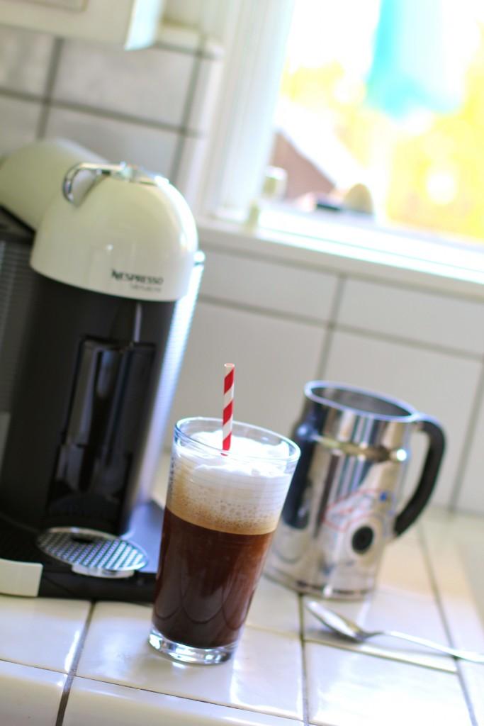 iced vanilla sugar free latte, itsy bitsy indulgences