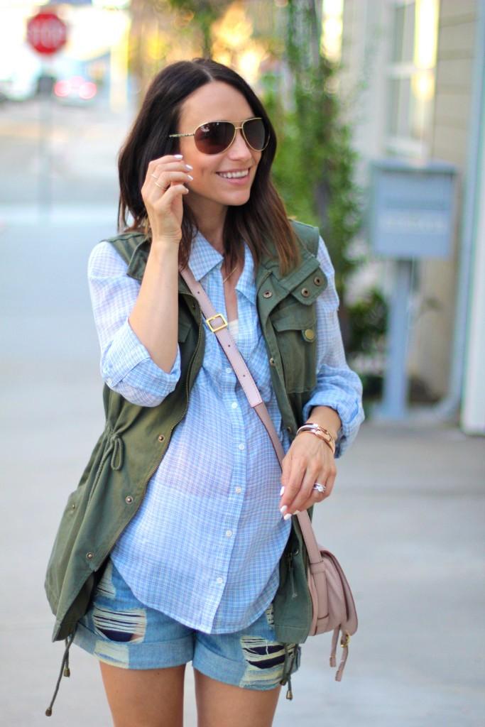 utility best, blue blouse, baby bump style, itsy bitsy indulgences