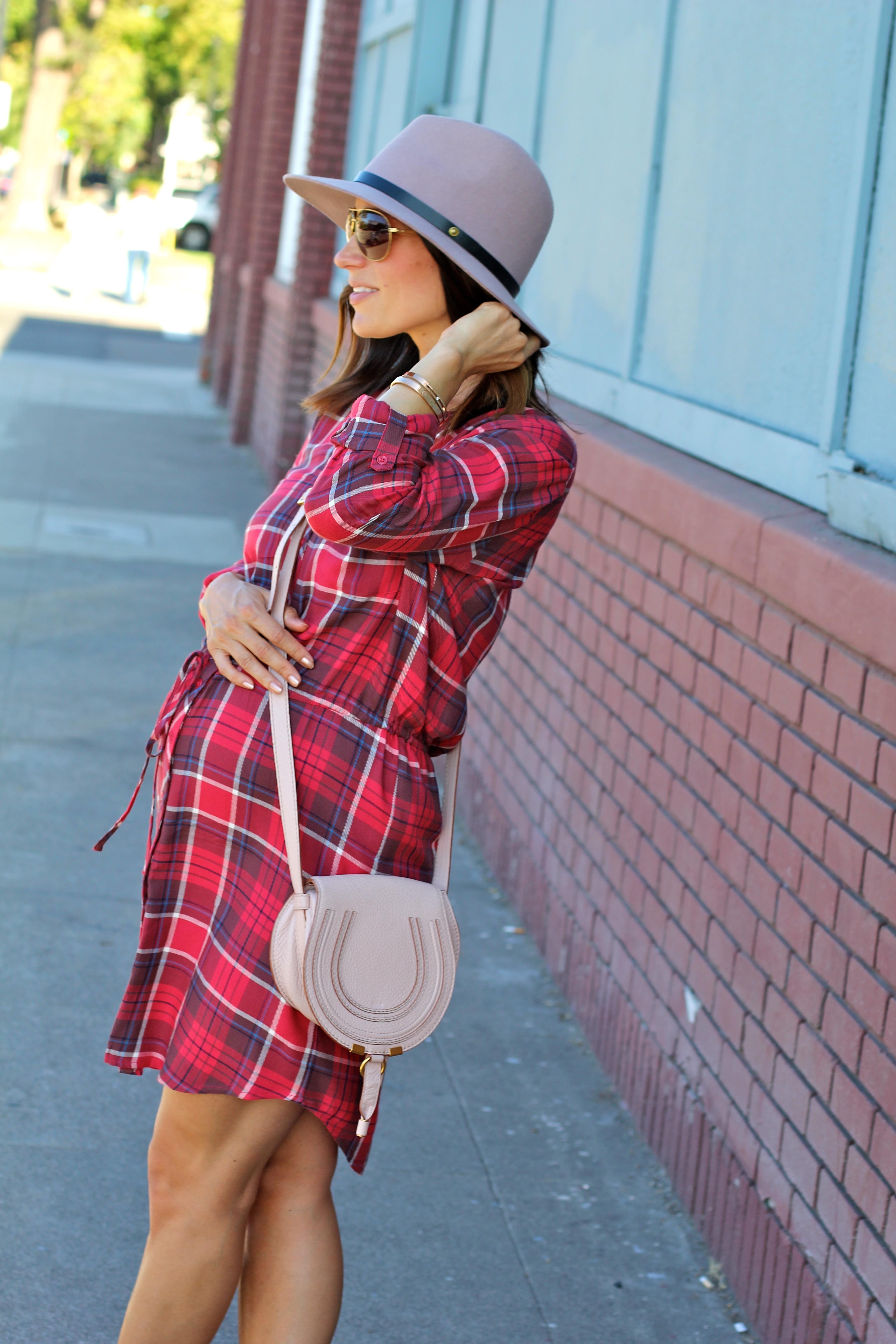 maternity style, pink fedora, itsy bitsy indulgences