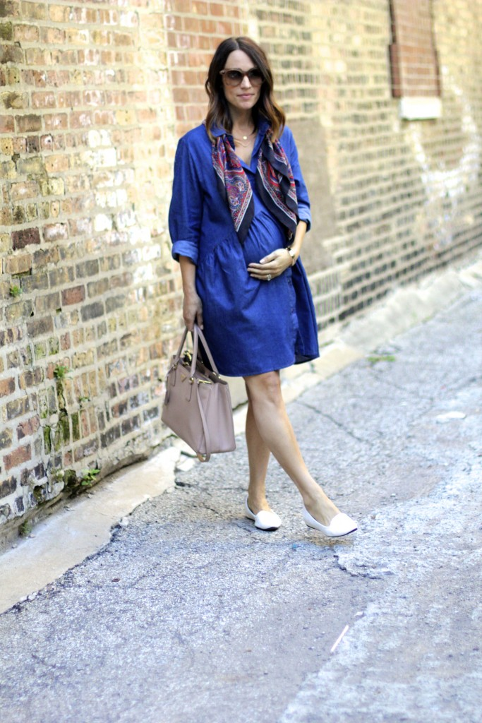 oversized chambray dress, pregnancy style, itsy bitsy indulgences