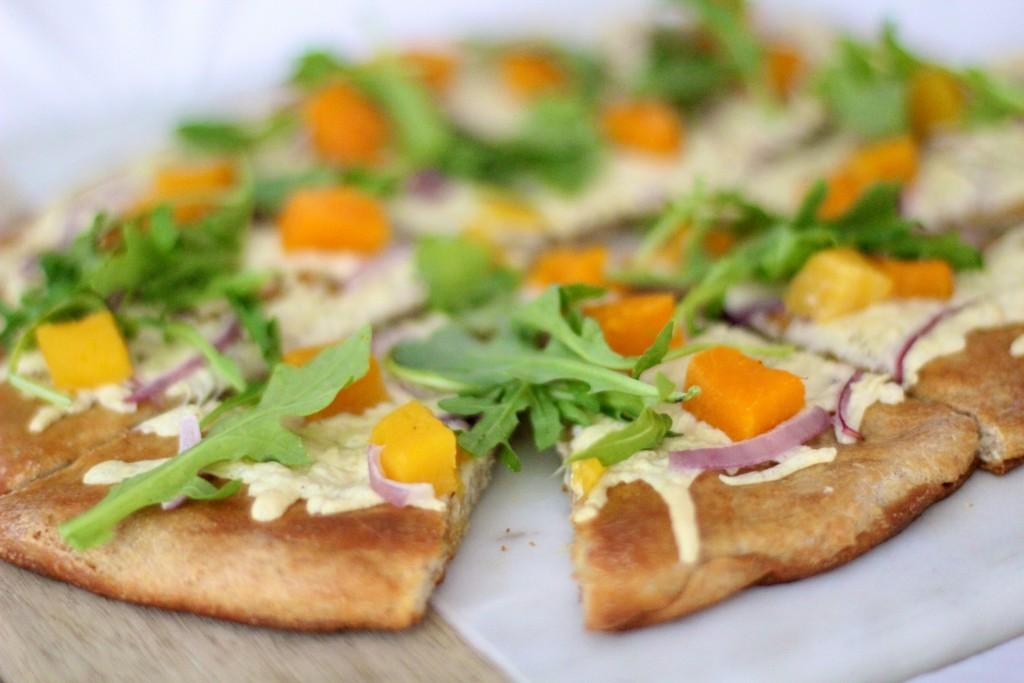 butternut squash pizza, fall dinner, itsy bitsy indulgences