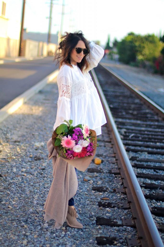 white boho blouse, pregnancy style, itsy bitsy indulgences