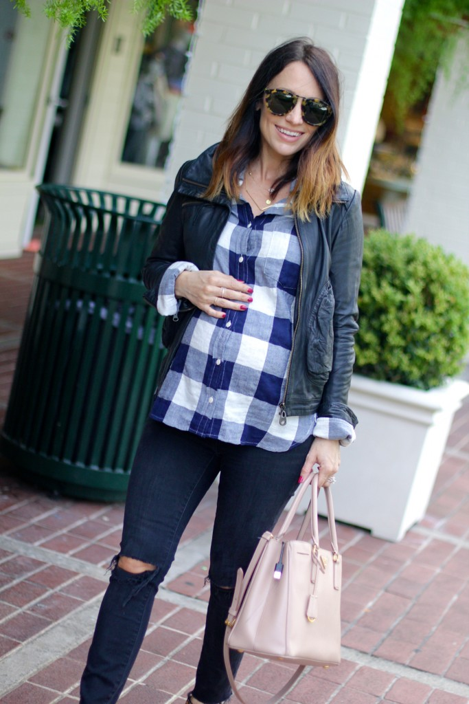 plaid top, distressed jeans, pregnancy style, itsy bitsy indulgences