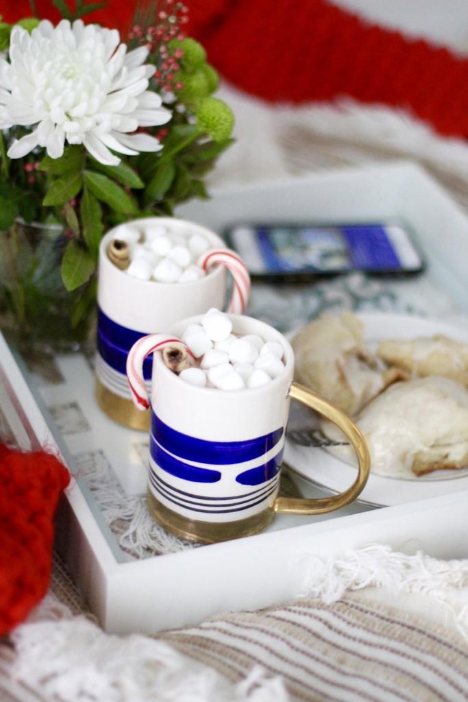 Christmas morning cinnamon rolls, itsy bitsy indulgences