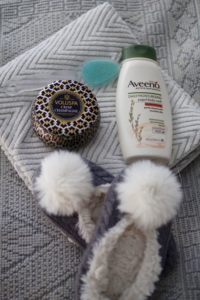 moments of self care with aveeno, itsy bitsy indulgences